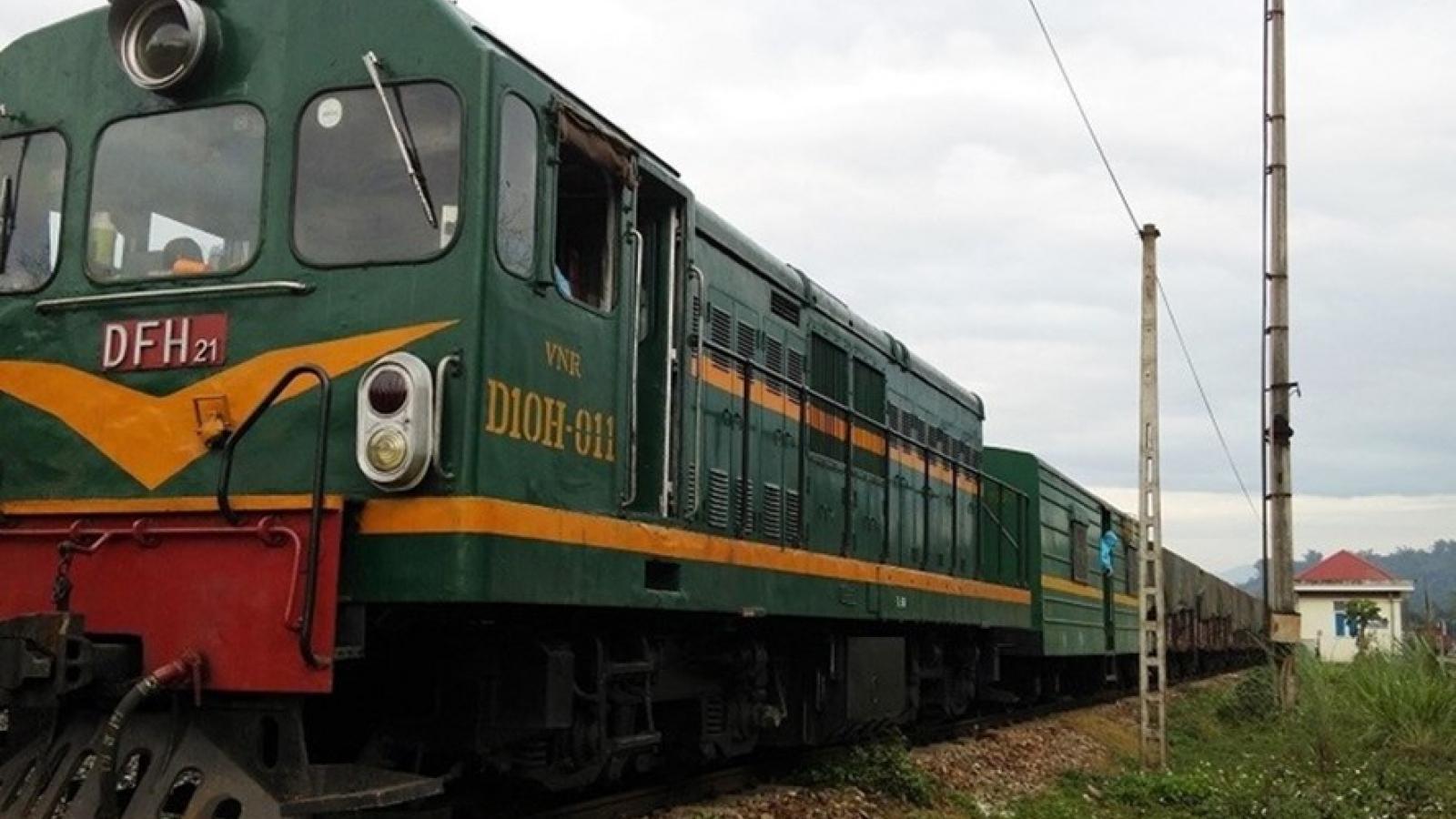 """Đầu tư đường sắt cứ """"giậm chân tại chỗ"""" thì đoàn tàu sẽ không """"tiến về phía trước"""""""