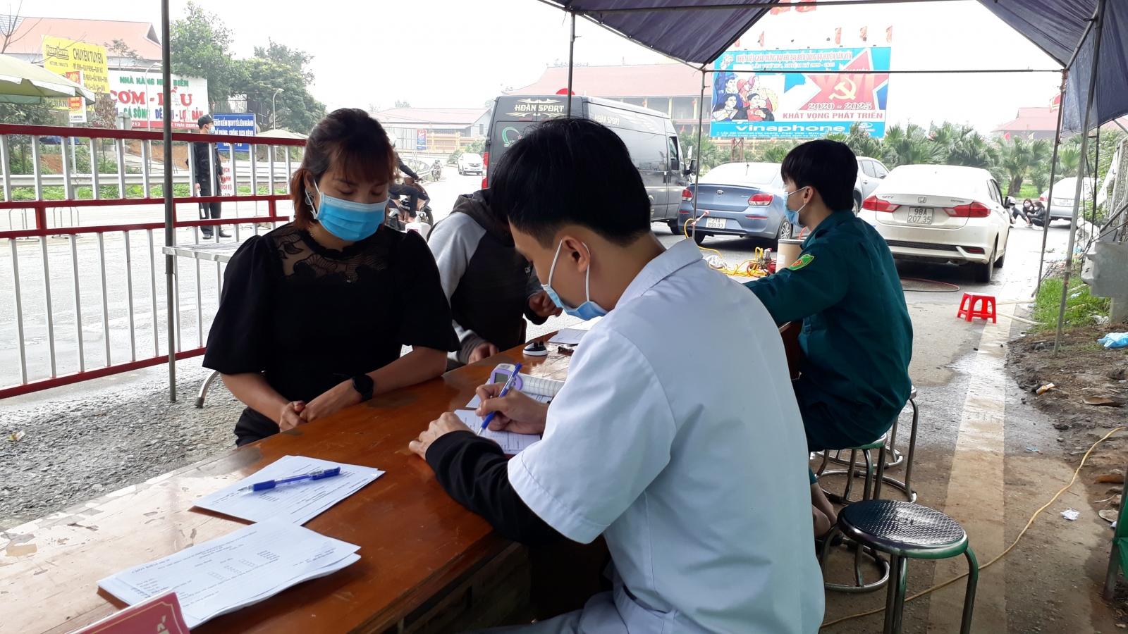 Yên Bái xử phạt 2,5 triệu đồng tài xế ô tô trốn khai báo y tế