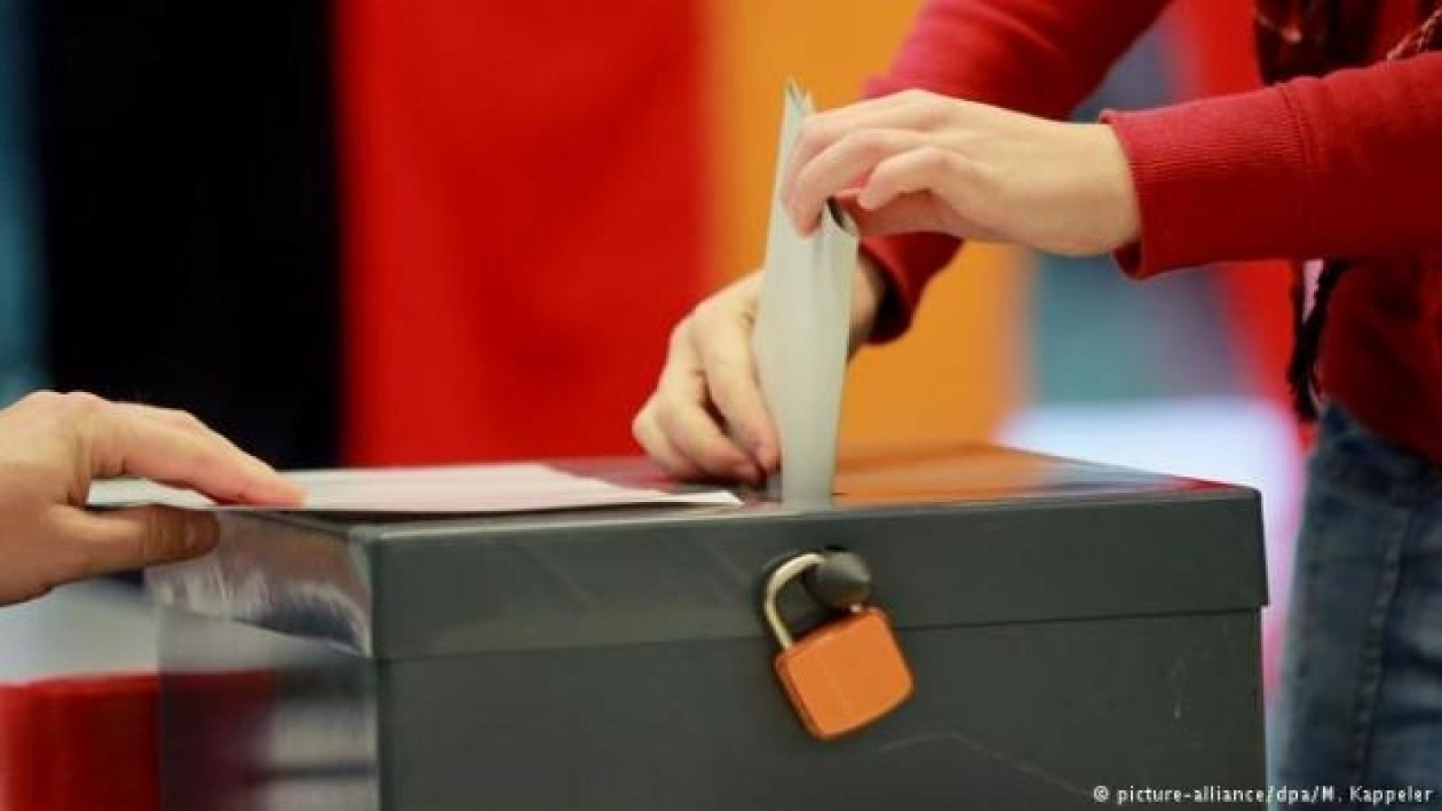 """Đức khởi động """"năm siêu bầu cử"""""""