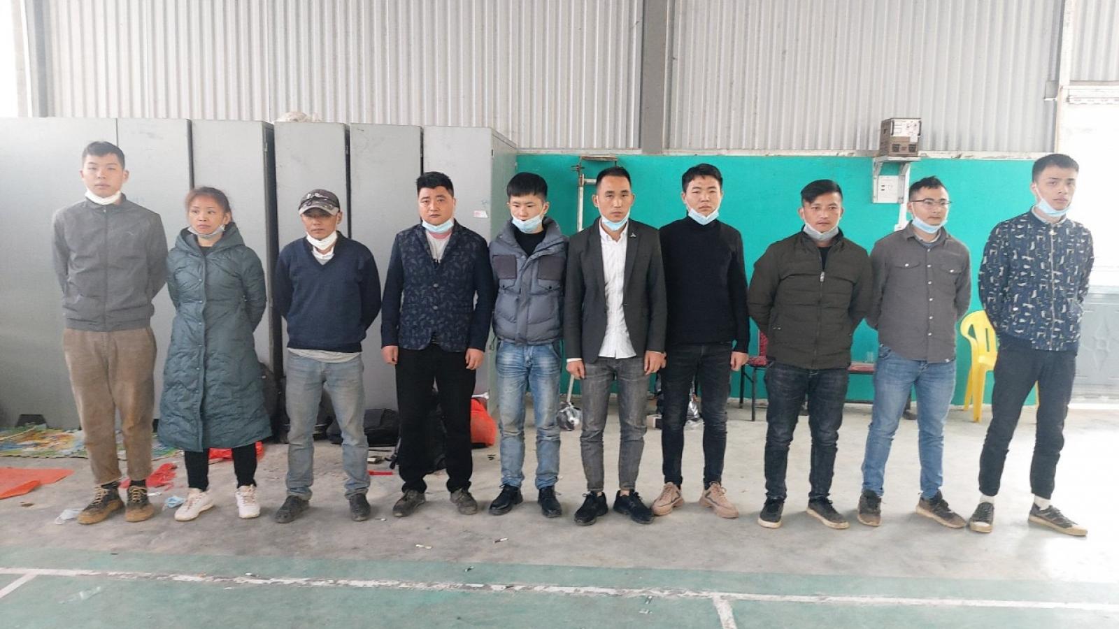 Bắt giữ 2 đối tượng tổ chức cho người Trung Quốc nhập cảnh trái phép
