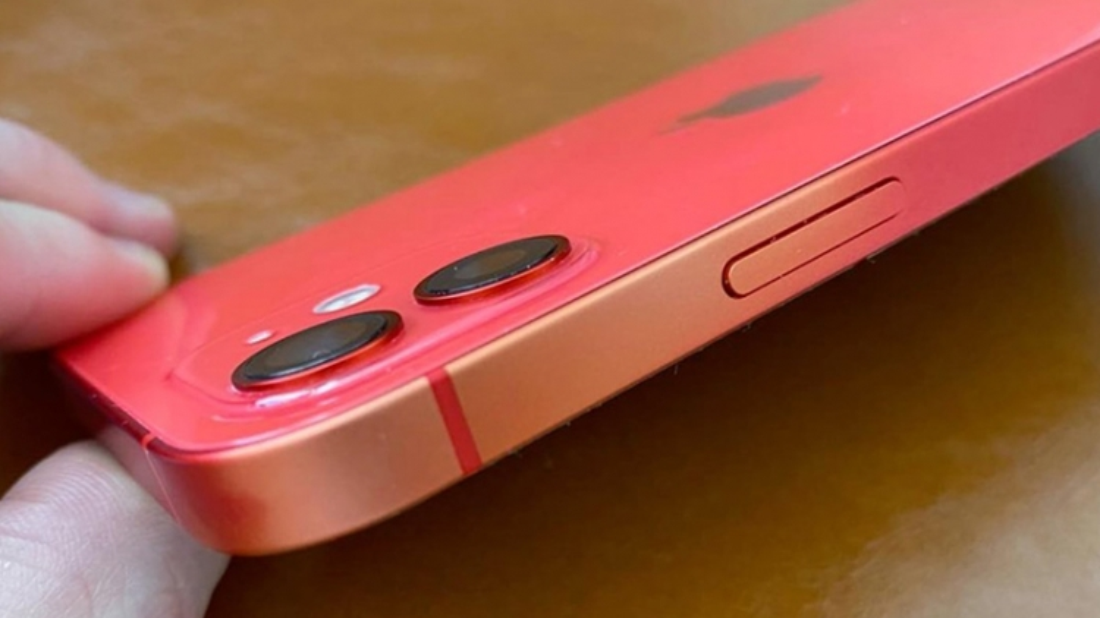 """iPhone đời mới đang gặp sự cố """"mất màu"""""""