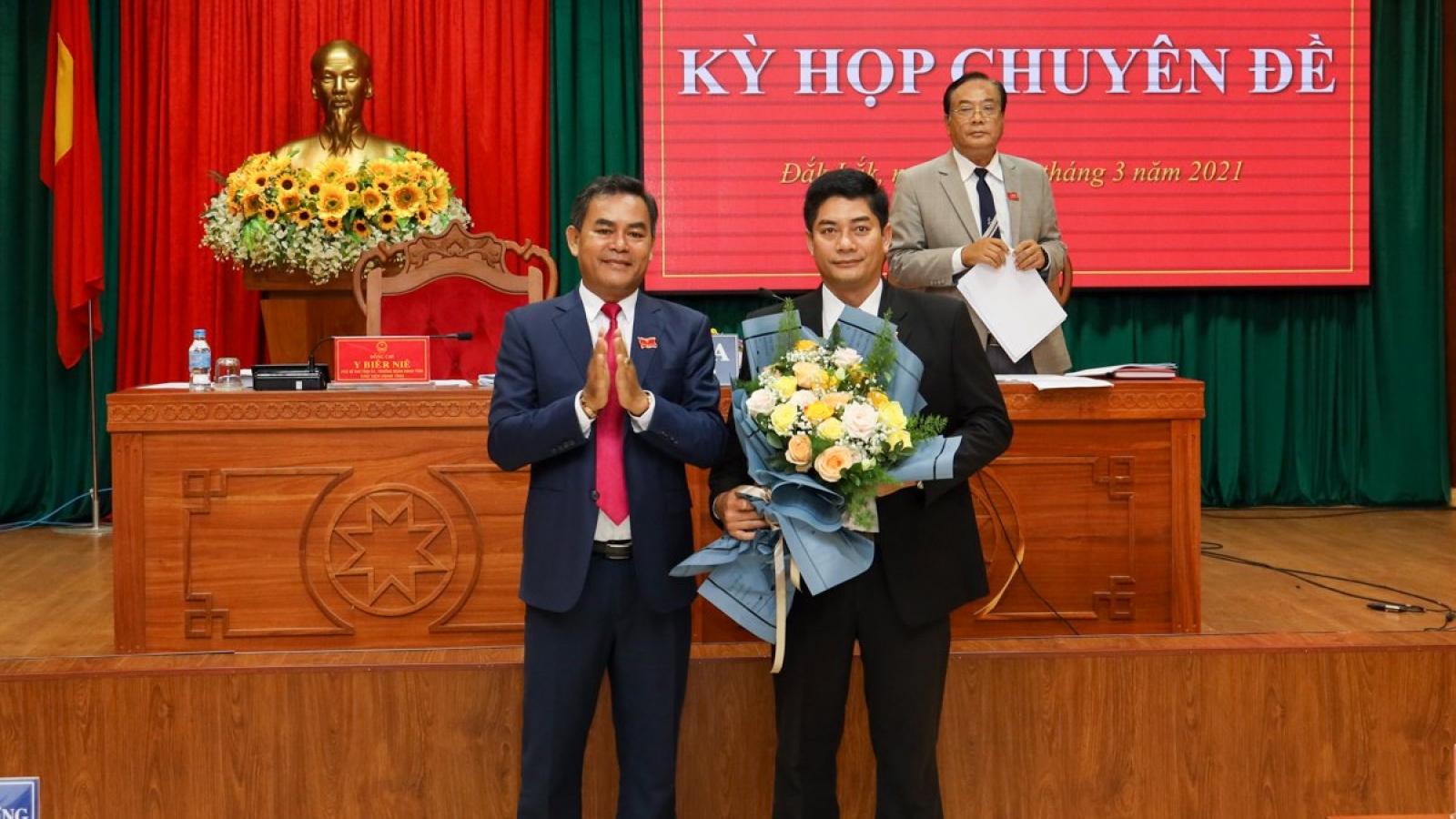 Bí thư Thị ủy Buôn Hồ được bầu làm Phó Chủ tịch HĐND tỉnh Đắk Lắk