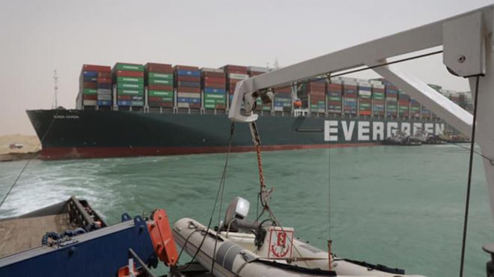 Sự cố kênh đào Suez ảnh hưởng đến ngành công nghiệp smartphone
