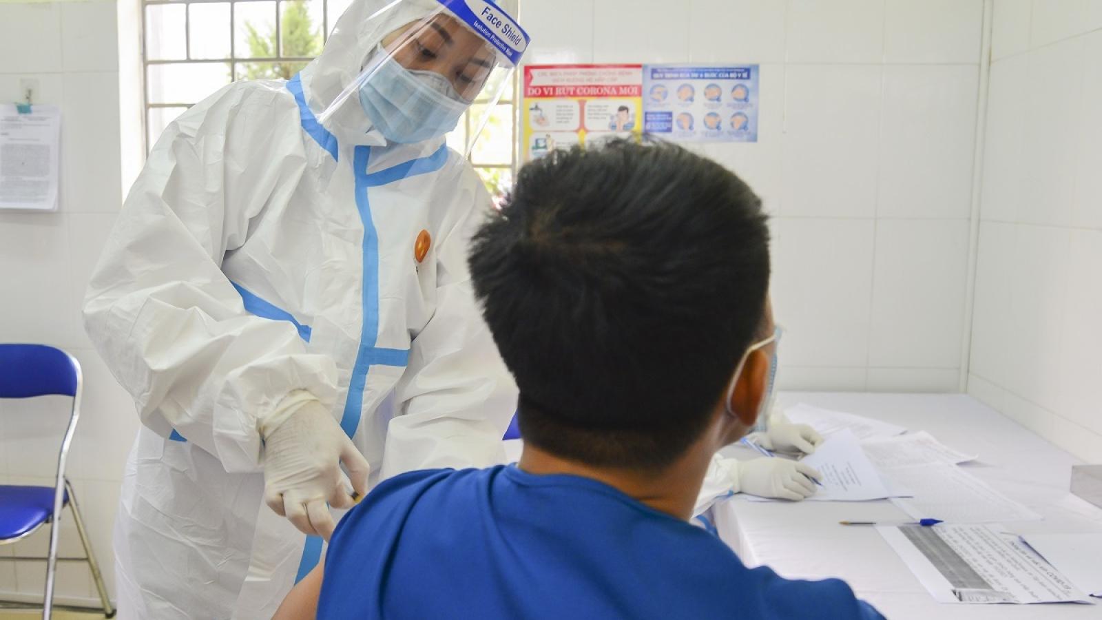 3 trường hợp ở Điện Biên phản ứng phụ sau tiêm phòng Vaccine AstraZeneca