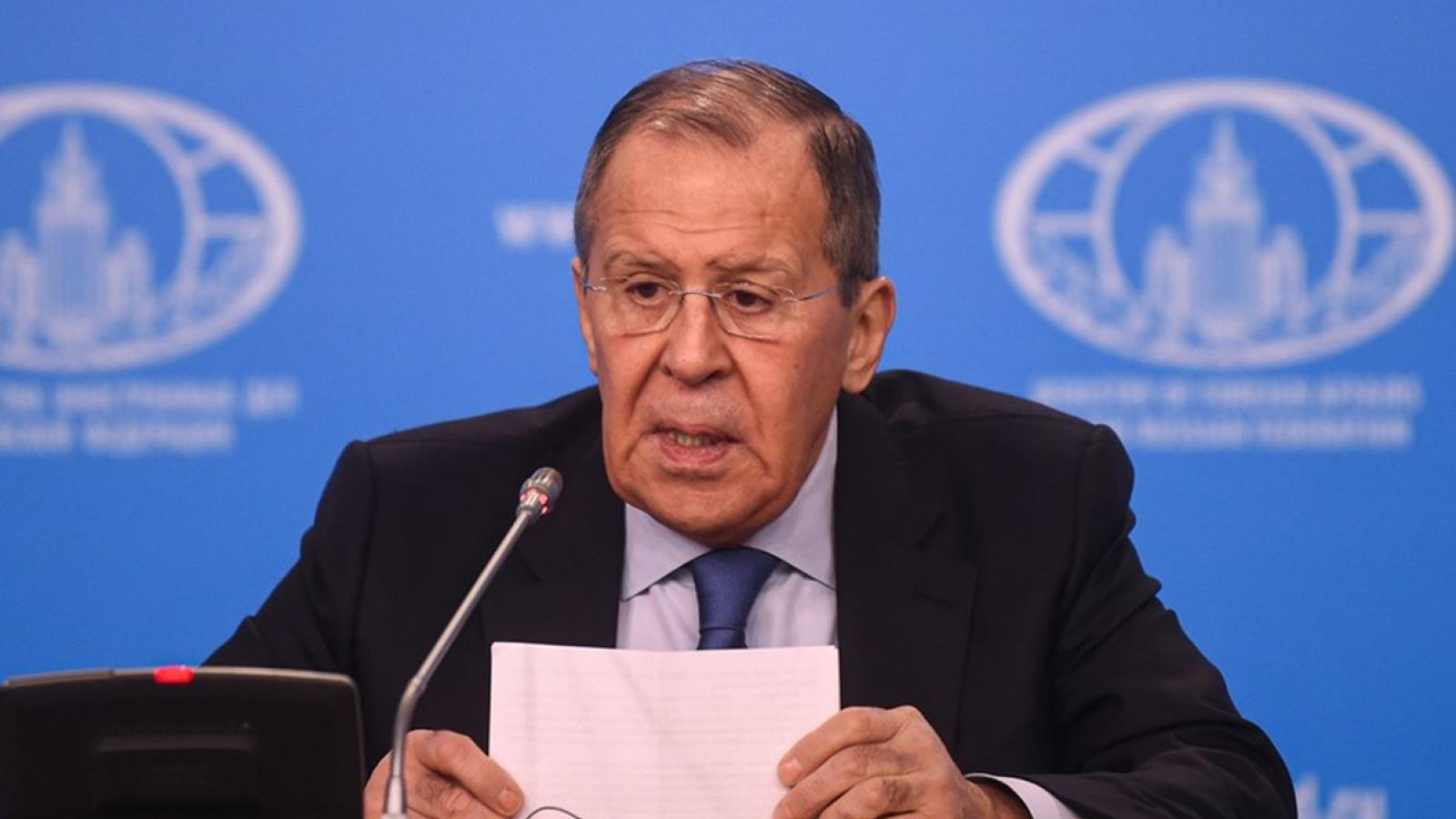 """Ngoại trưởng Nga thăm Trung Quốc tái khẳng định """"sức mạnh quan hệ"""" trước sức ép từ Mỹ"""