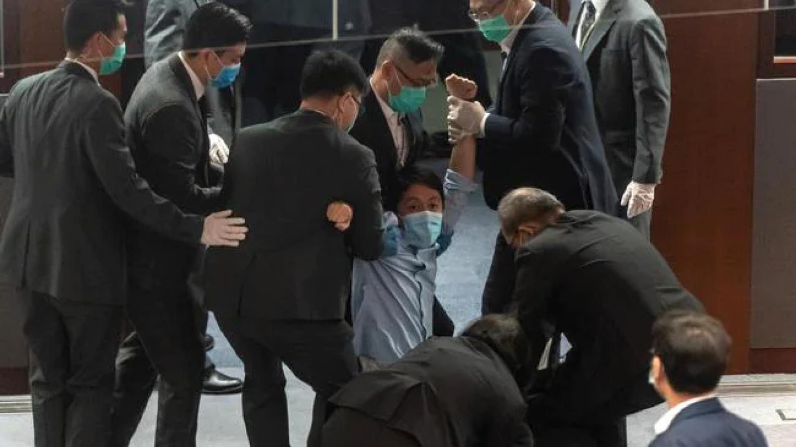 Australia - Trung Quốc căng thẳng liên quan đến nhà hoạt động tại Hong Kong
