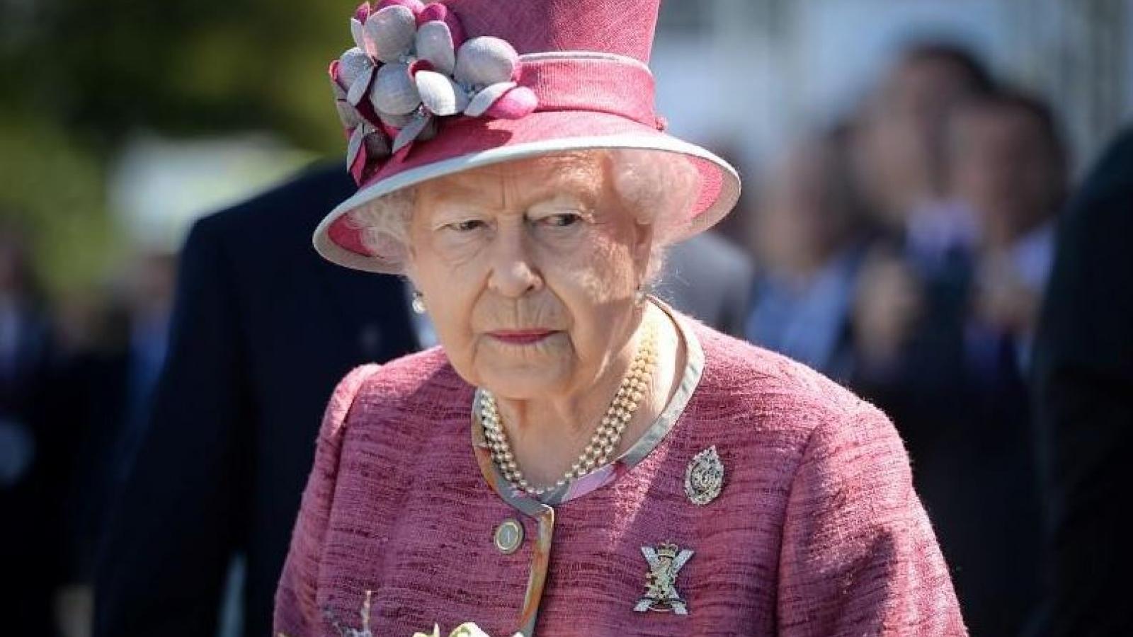 Phản ứng của Nữ hoàng Anh Elizabeth về cuộc phỏng vấn của Harry-Meghan
