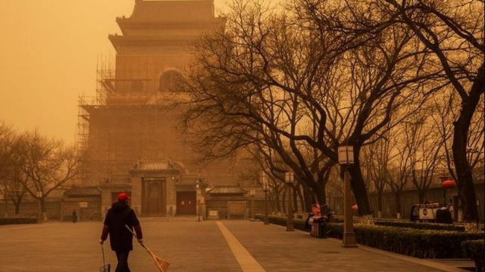 Thủ đô Bắc Kinh (Trung Quốc) hứng chịu trận bão cát lớn nhất trong 1 thập kỷ