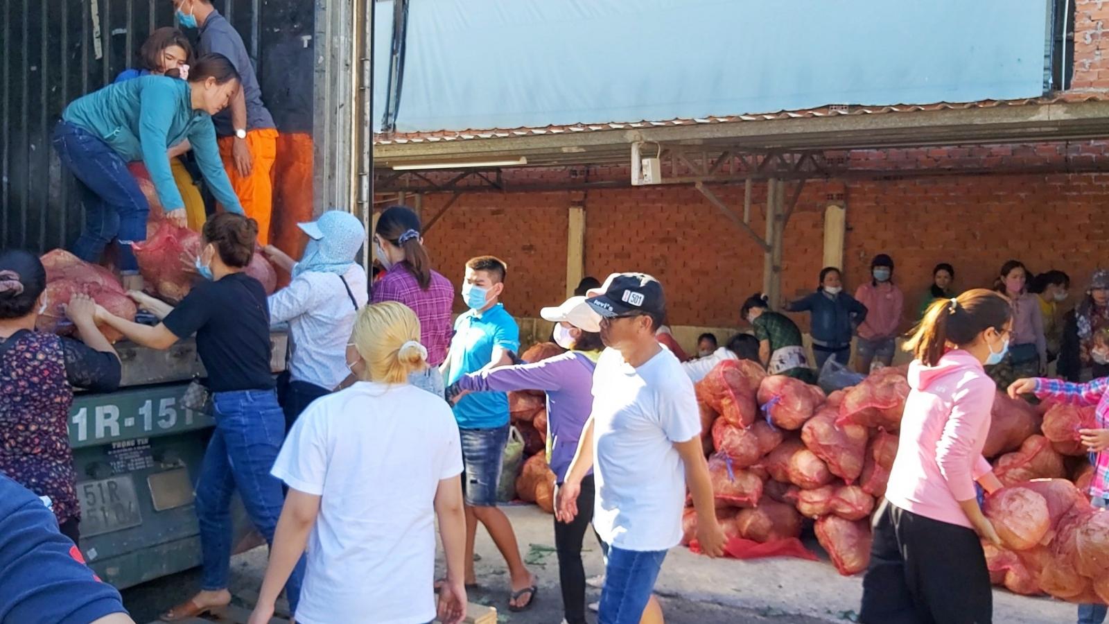 """Bà Rịa - Vũng Tàu """"giải cứu"""" gần 60 tấn nông sản giúp nông dân Hải Dương"""
