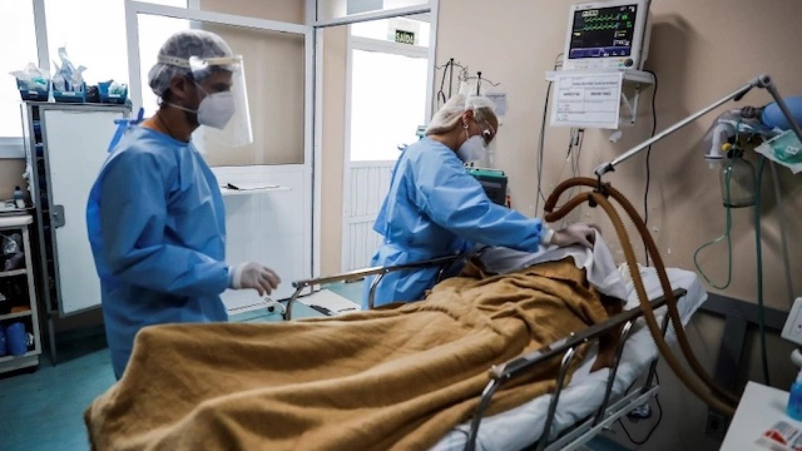 Brazilghi nhận số người chết hàng ngày cao nhất kể từ khi bắt đầu đại dịch Covid-19