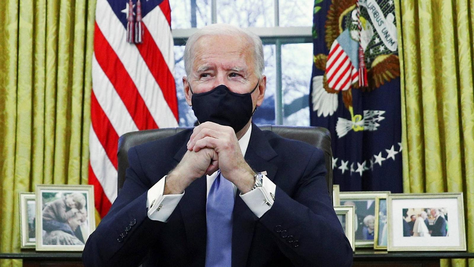 Tổng thống Biden ký ban hành gói cứu trợ ứng phó với Covid-19 trị giá 1.900 tỷ USD