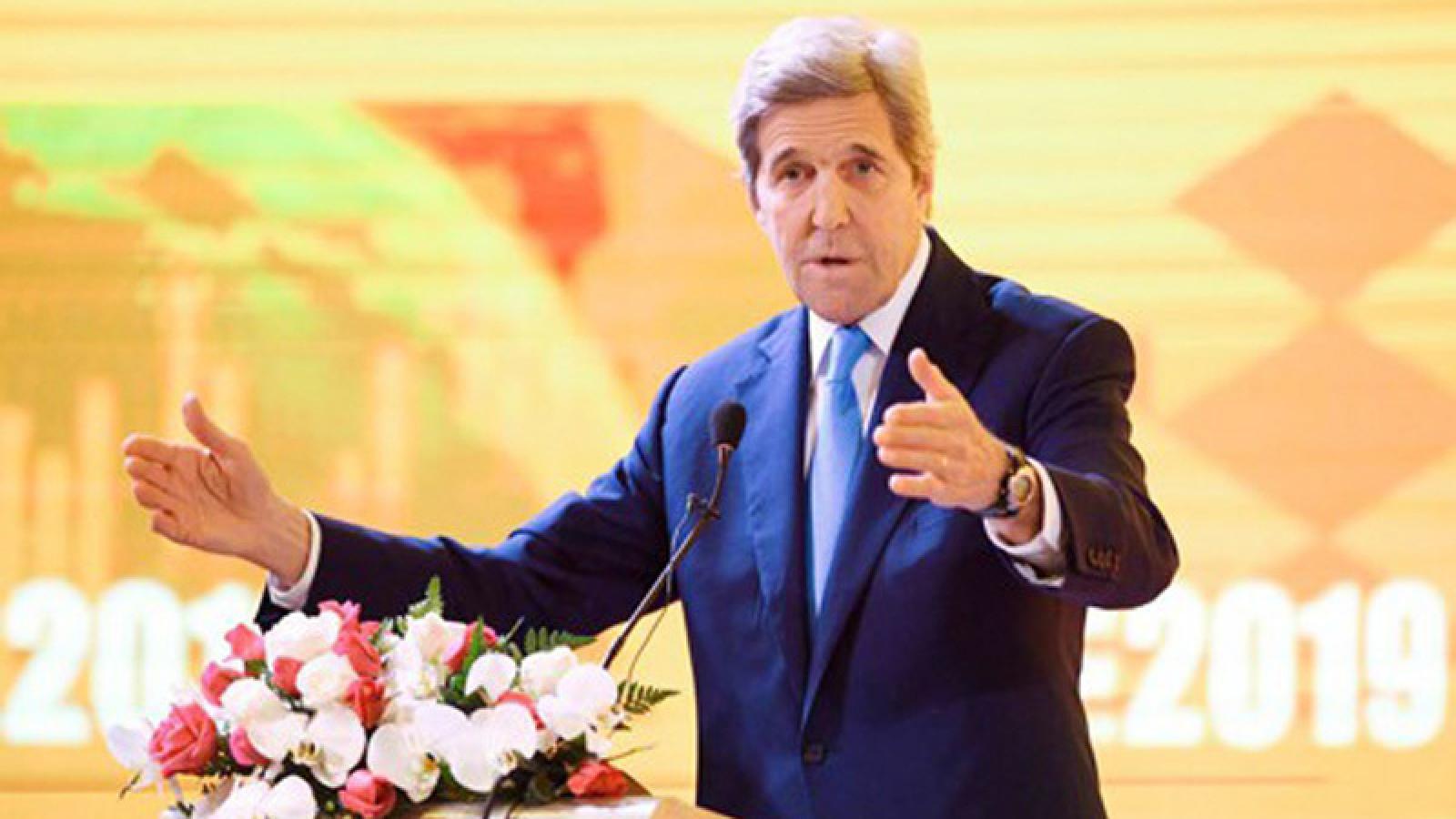 Cựu Ngoại trưởng Mỹ tin khu vực tư nhân sẽ giải quyết tốt vấn đề biến đổi khí hậu