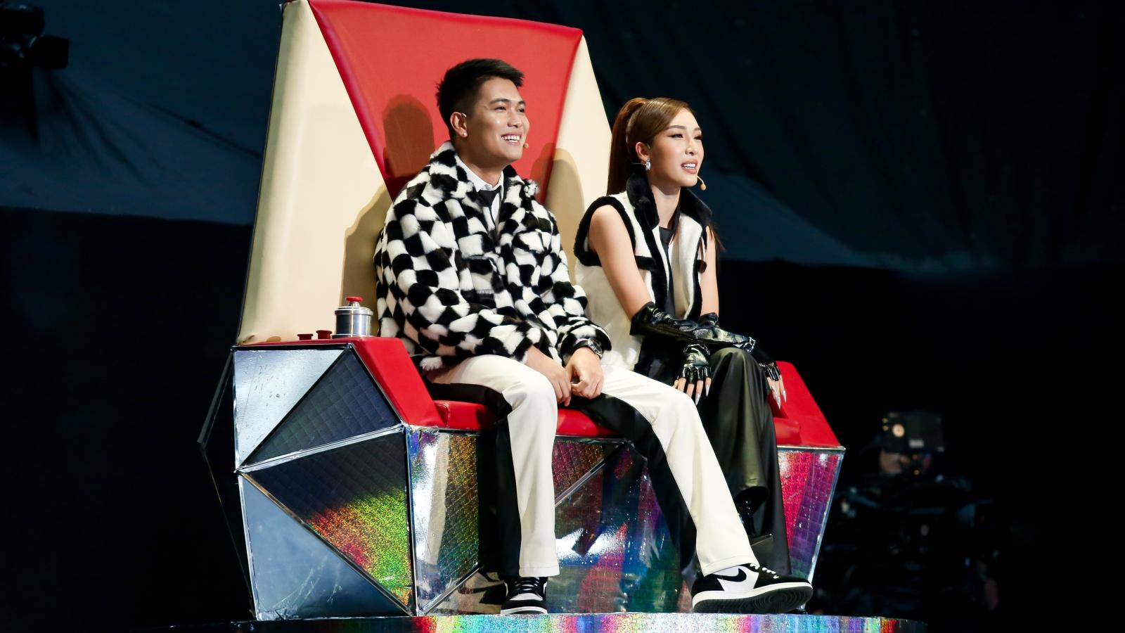 Giọng hát Việt nhí: Big Daddy - Emily có chiến thắng đầu tiên nhờ concept nhạc dân gian