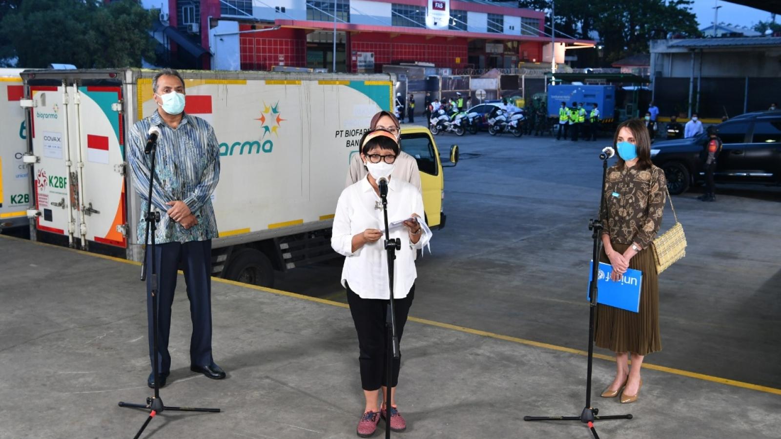 Indonesia nhận được 1,1 triệu liều vaccine Covid-19 đầu tiên từ COVAX