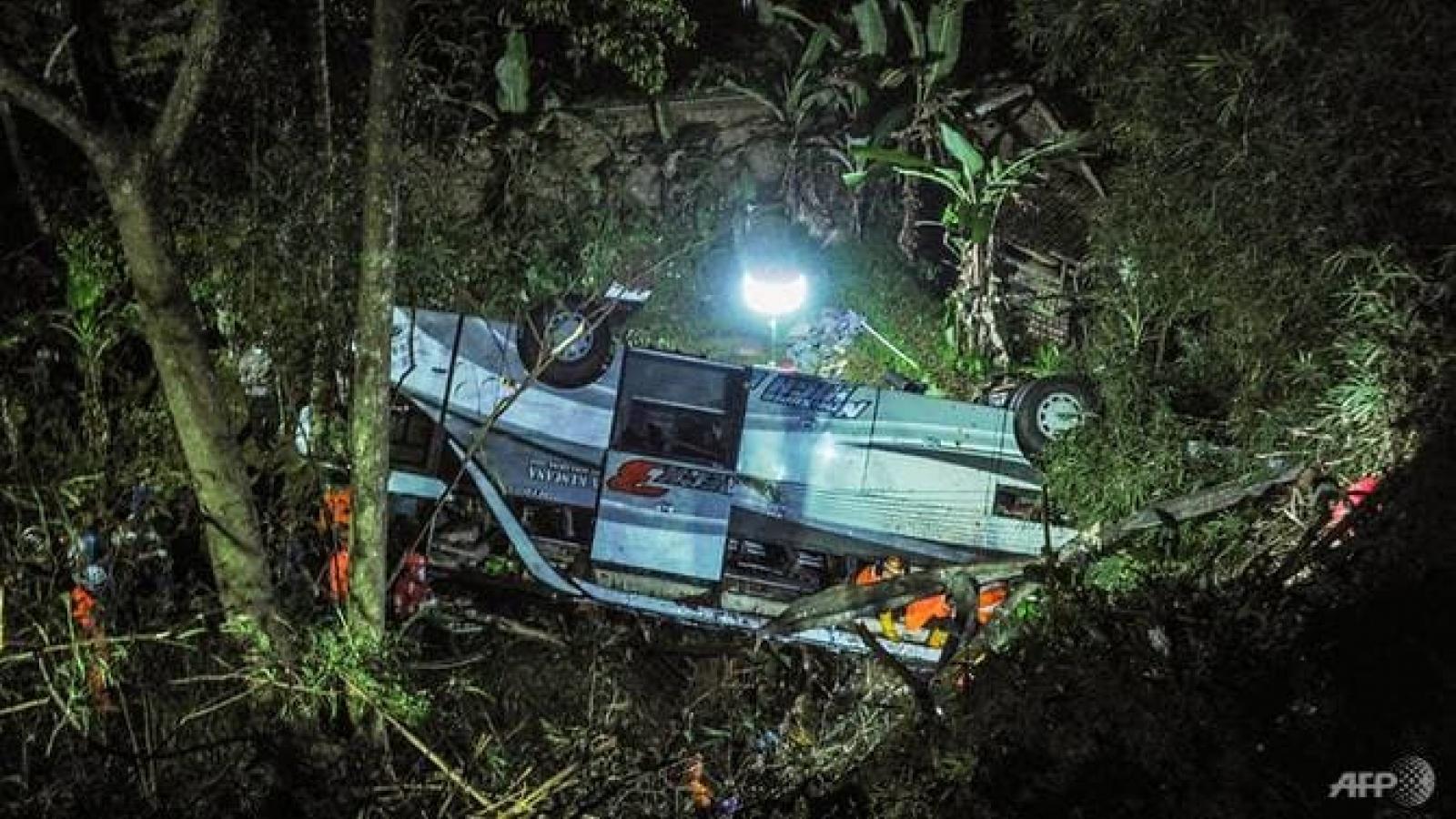 Tai nạn giao thông thảm khốc ở Indonesia khiến ít nhất 27 người thiệt mạng