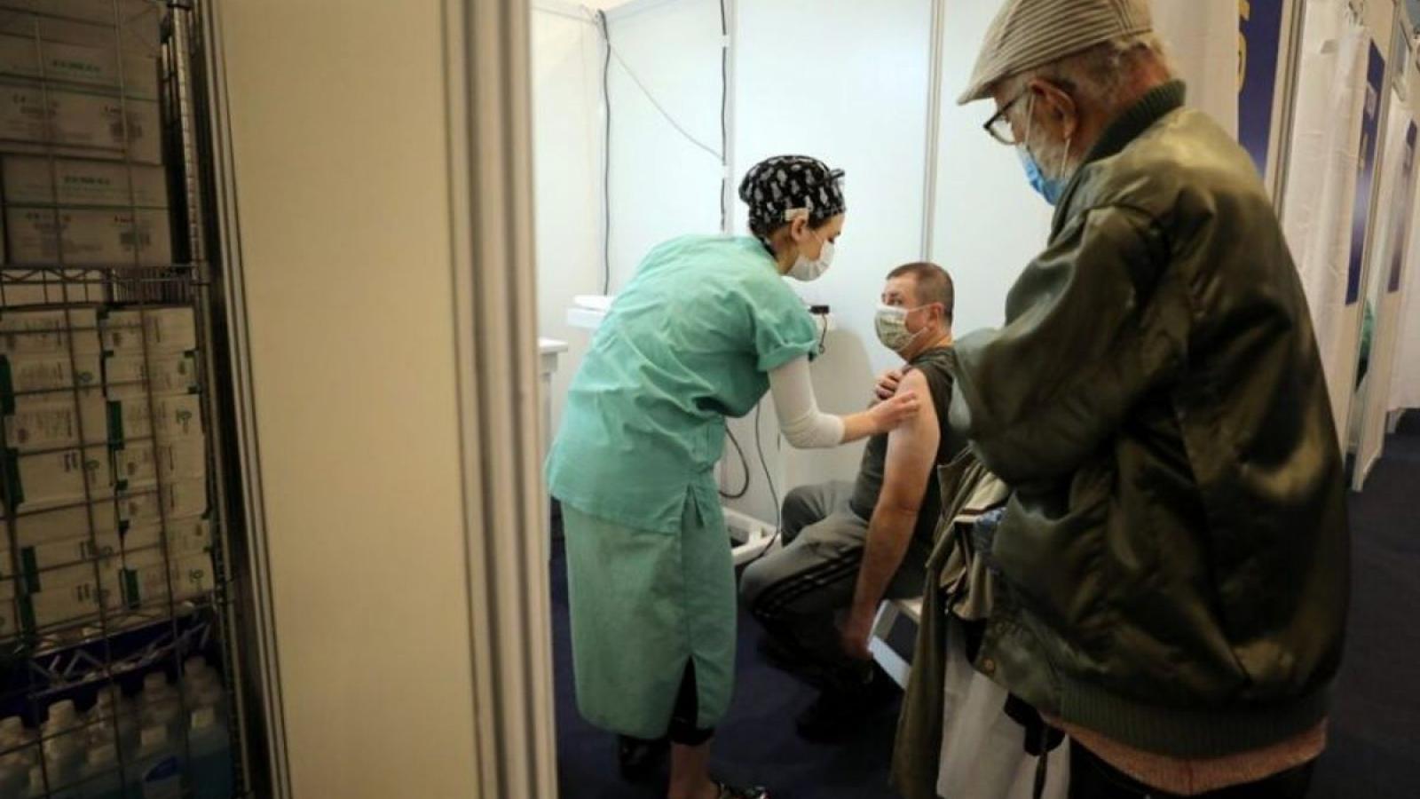Hơn một nửa dân số Israel được tiêm phòng Covid-19: Cuộc sống bình thường không còn xa