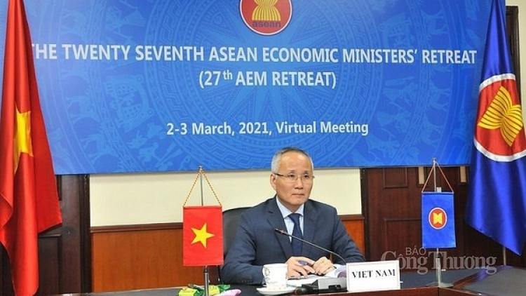 Ten initiatives, priorities adopted at 27th ASEAN Economic Ministers' Retreat