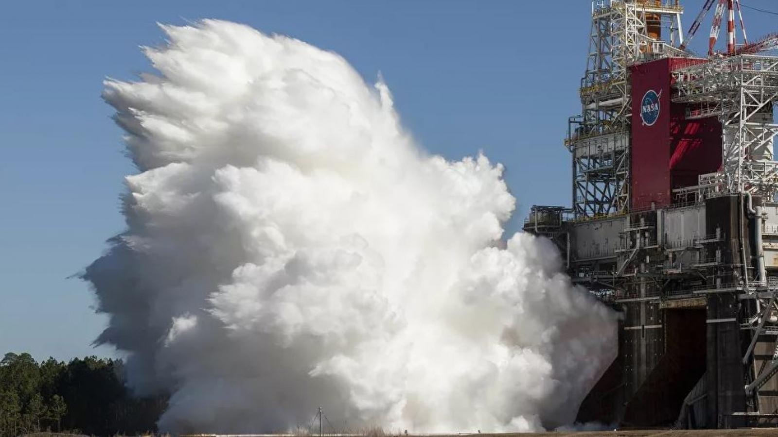 NASA thử nghiệm thành công động cơ tên lửa giúp trở lại Mặt Trăng và thám hiểm sao Hỏa