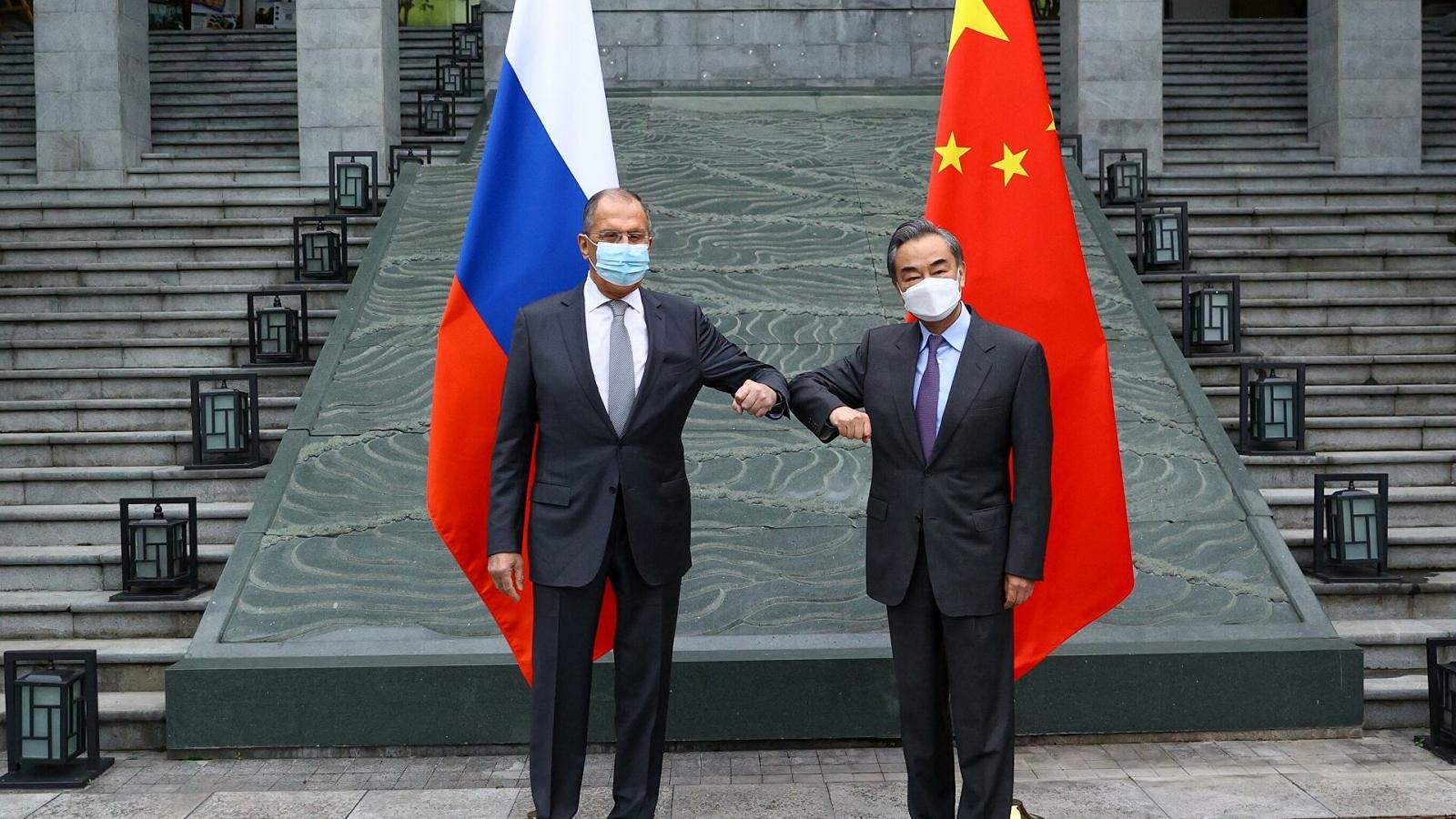 """Hứng đòn trừng phạt từ Mỹ và phương Tây, Trung Quốc hối hả """"tìm bạn"""" cùng phe"""