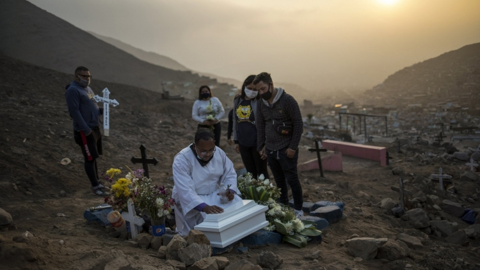 Số người chết do Covid-19 ở Peru chạm ngưỡng hơn 50.000
