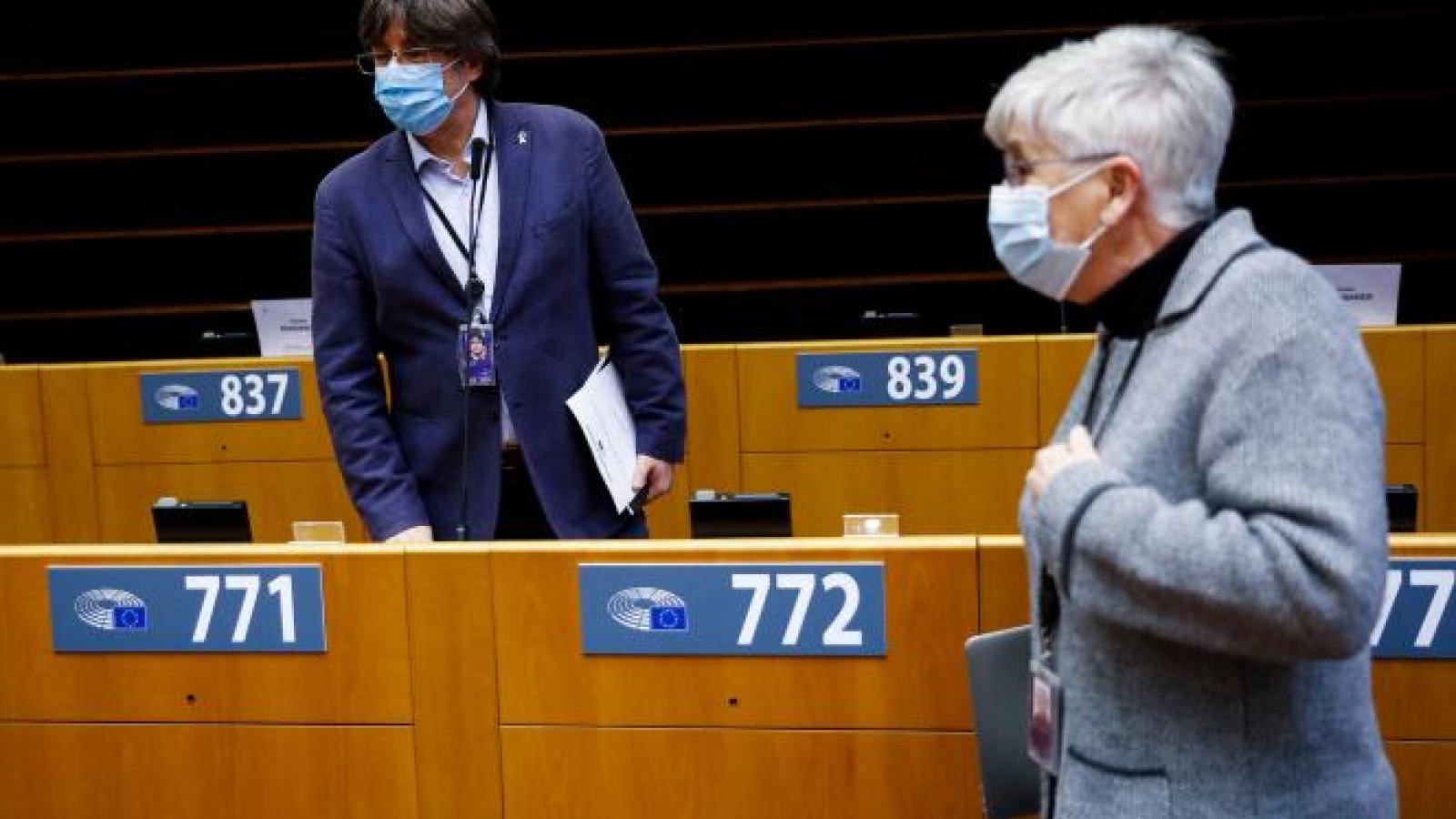 Nghị viện châu Âu tước quyền miễn trừ của cựu lãnh đạo ly khai vùng Catalonia