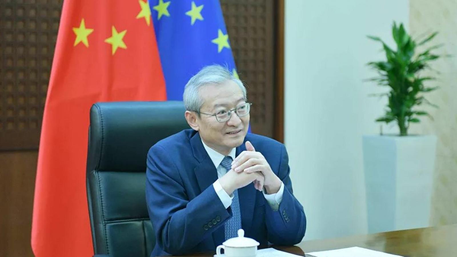 """Đại sứ Trung Quốc tuyên bố """"không lùi bước"""" trước lệnh trừng phạt của EU"""