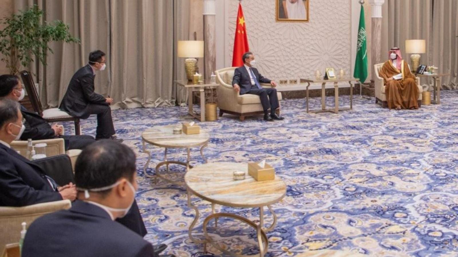 Ngoại trưởng Trung Quốc thăm Trung Đông: Cạnh tranh ảnh hưởng với Mỹ?
