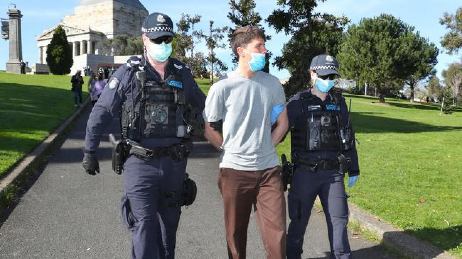 Bang Australia xử lý việc không chịu nộp phạt liên quan đến Covid-19
