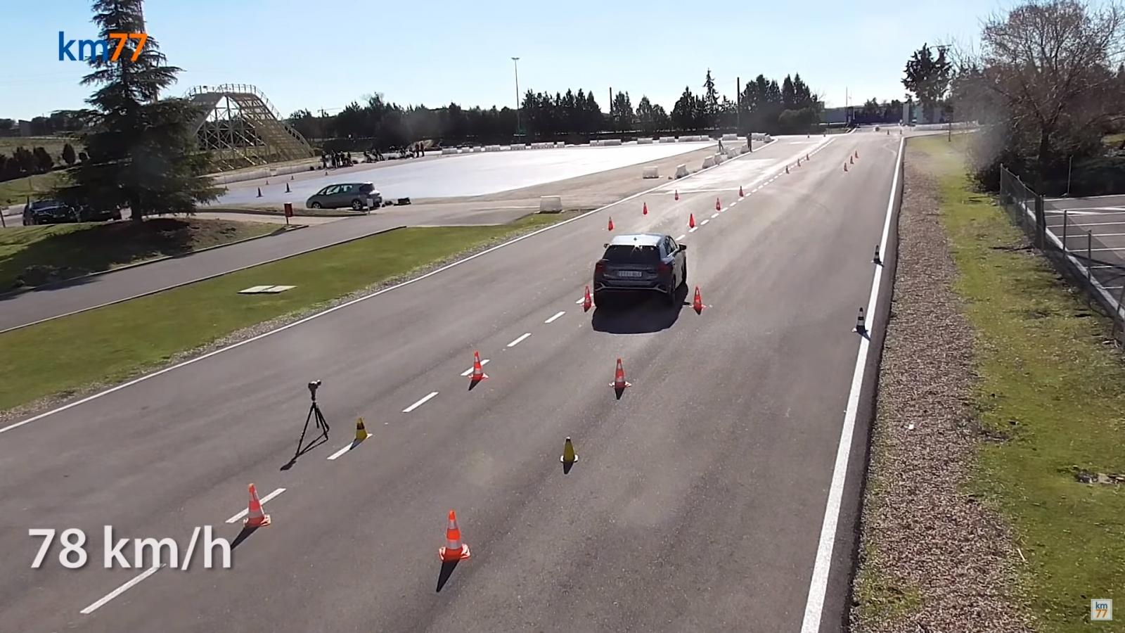 Audi Q2 2021 nâng cấp hoàn thành xuất sắc bài kiểm tra độ ổn định