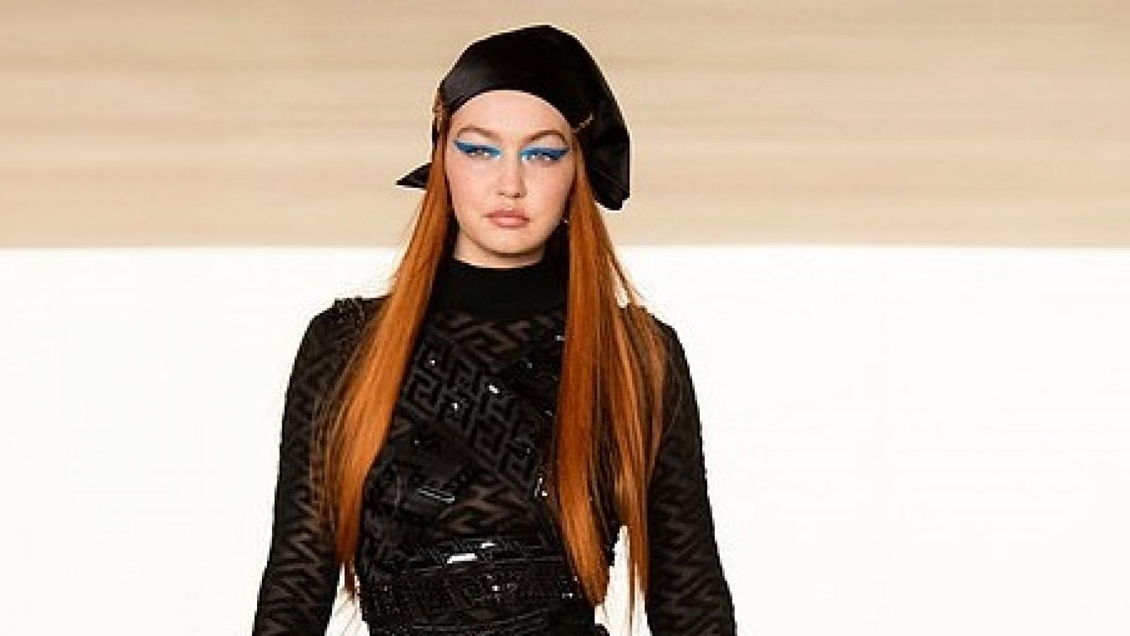 Gigi Hadid tái xuất xinh đẹp trên sàn catwalk sau 6 tháng sinh con