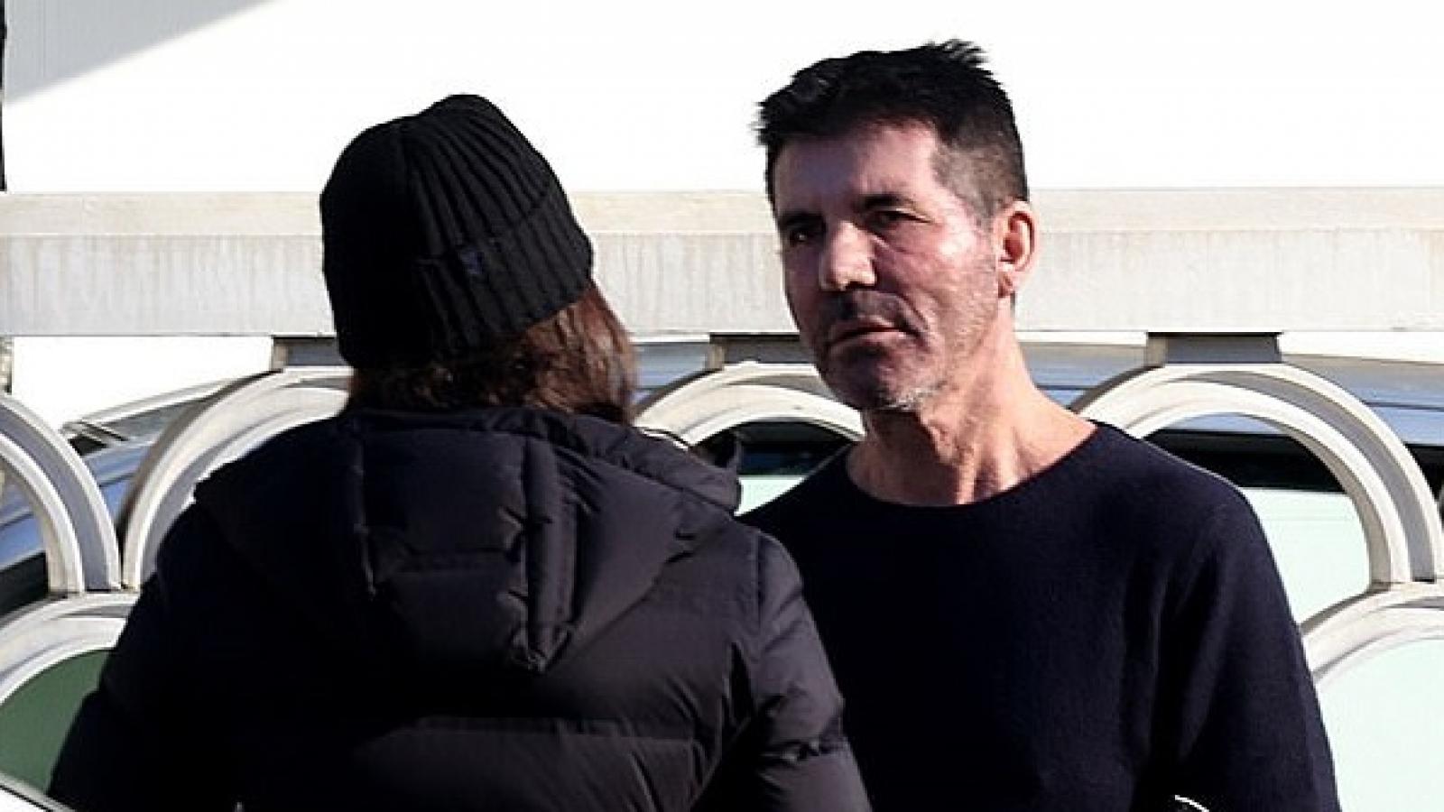 """""""Ông trùm"""" Simon Cowell và bạn gái cãi vã căng thẳng trên phố"""
