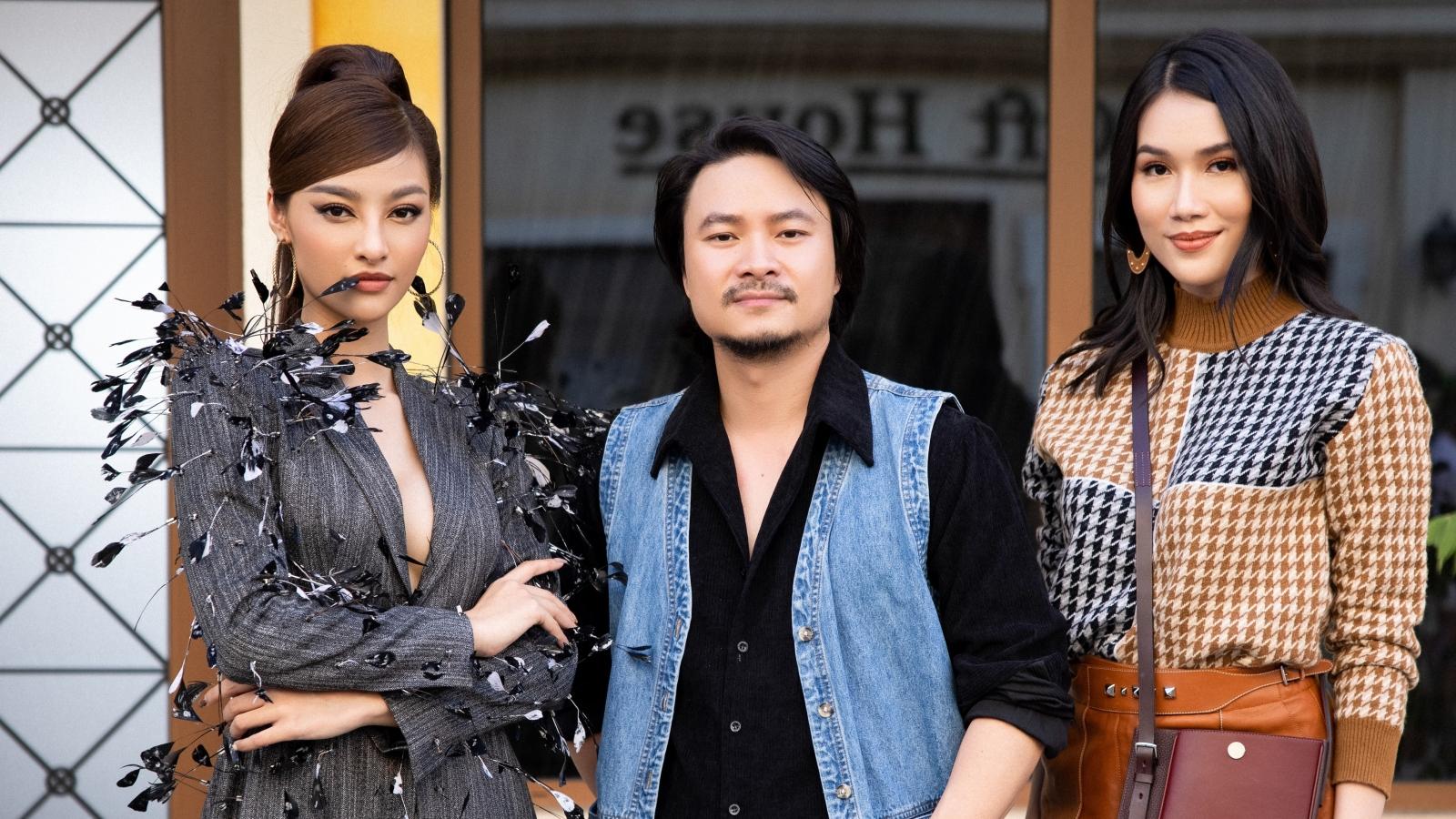 Á hậu Kiều Loan - Phương Anh khoe sắc trên đường phố Phú Quốc