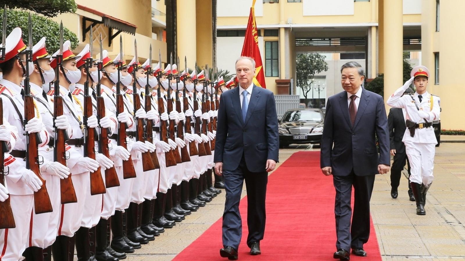 Vietnam, Russia boost security cooperation