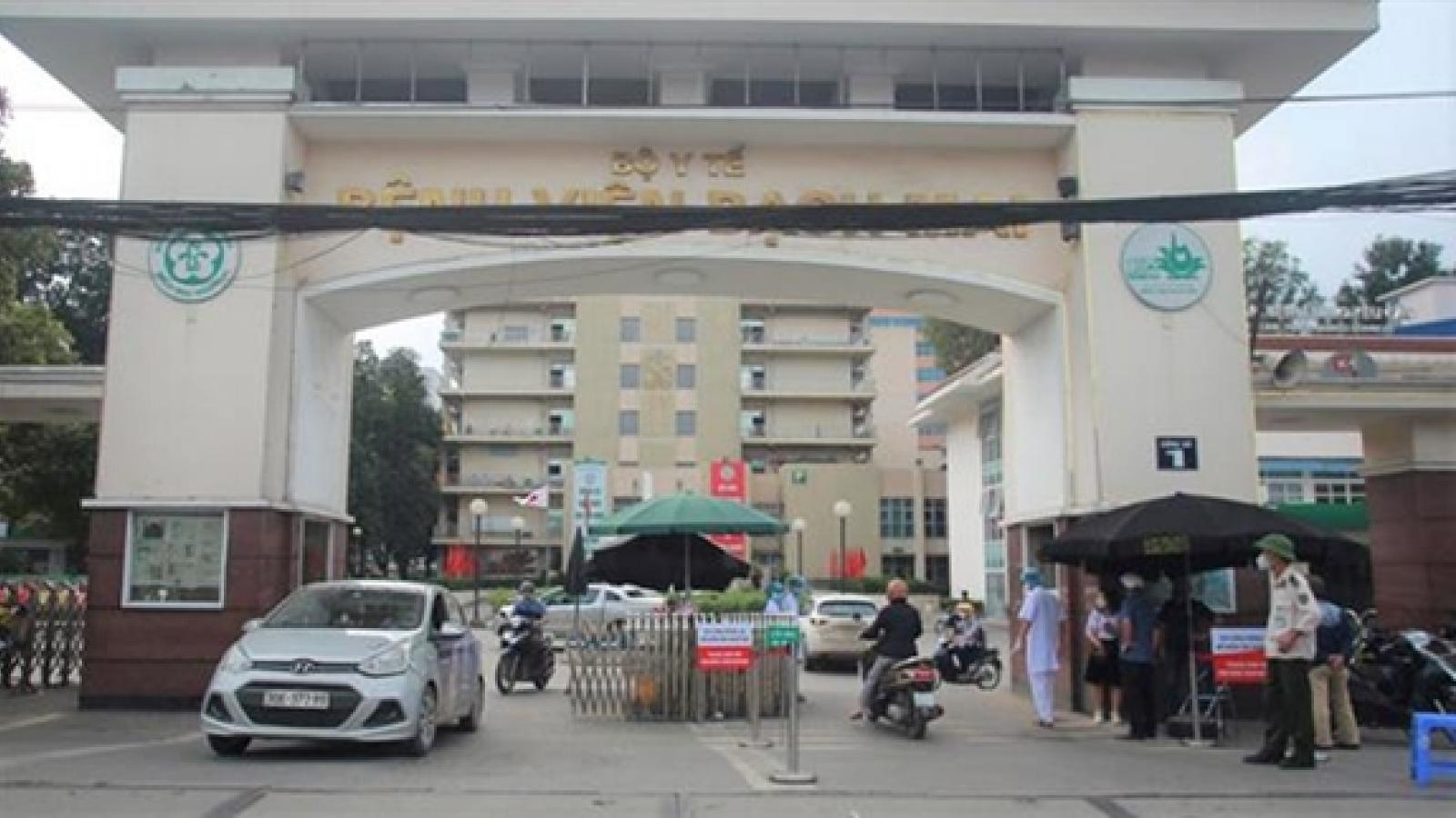 Từ 1/4, bệnh nhân được Giáo sư khám ở BV Bạch Mai có giá dịch vụ 550.000đ/lần
