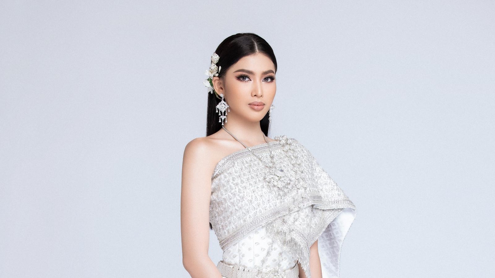 """Á hậu Ngọc Thảo """"hoá thân"""" thành cô nàng Thái Lan"""