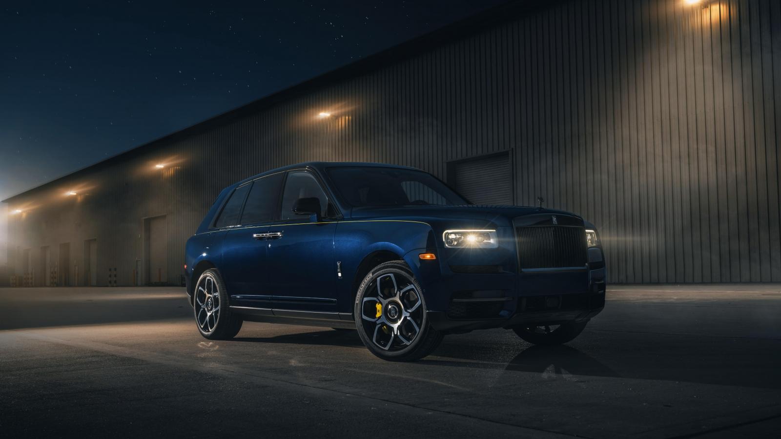Ngắm Rolls-Royce Cullinan bản cá nhân hóa với màu sơn Pikes Peak Blue