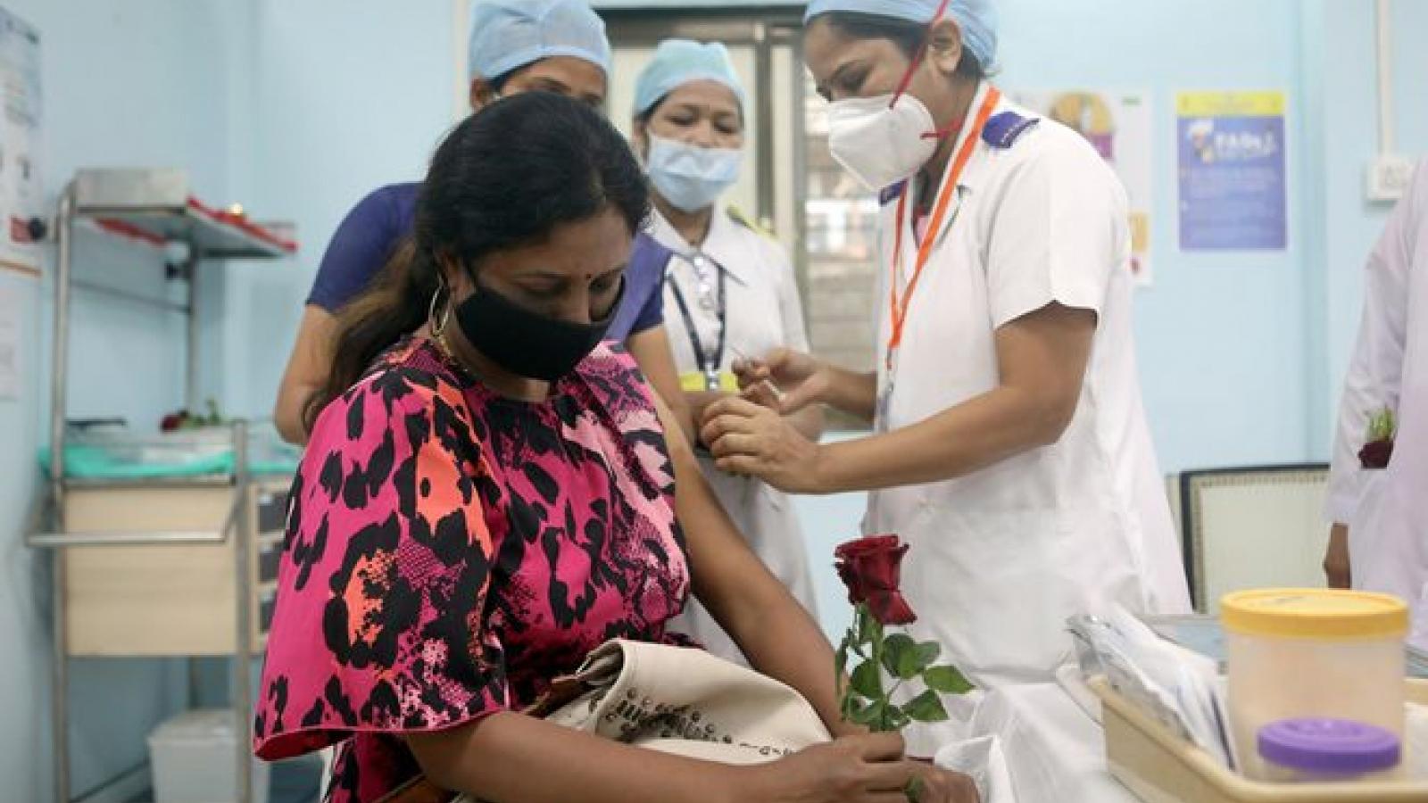 Ấn Độ yêu cầu kéo dài thời gian giữa hai mũi tiêm vaccine Covid-19