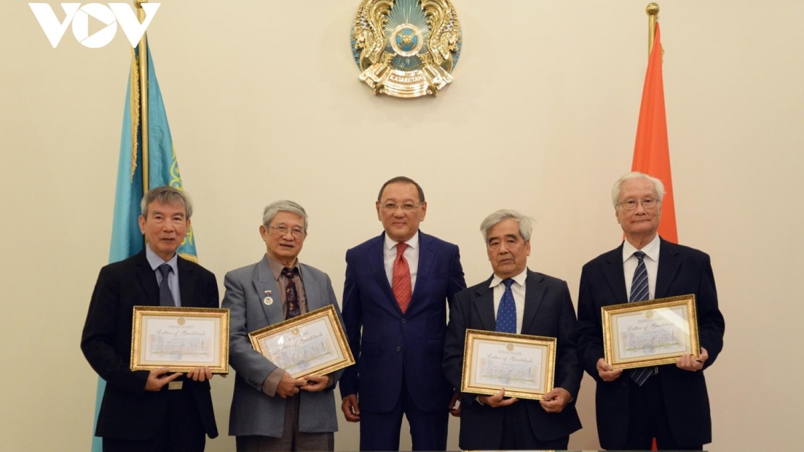 Vietnamese translators honoured for boosting cultural ties with Kazakhstan