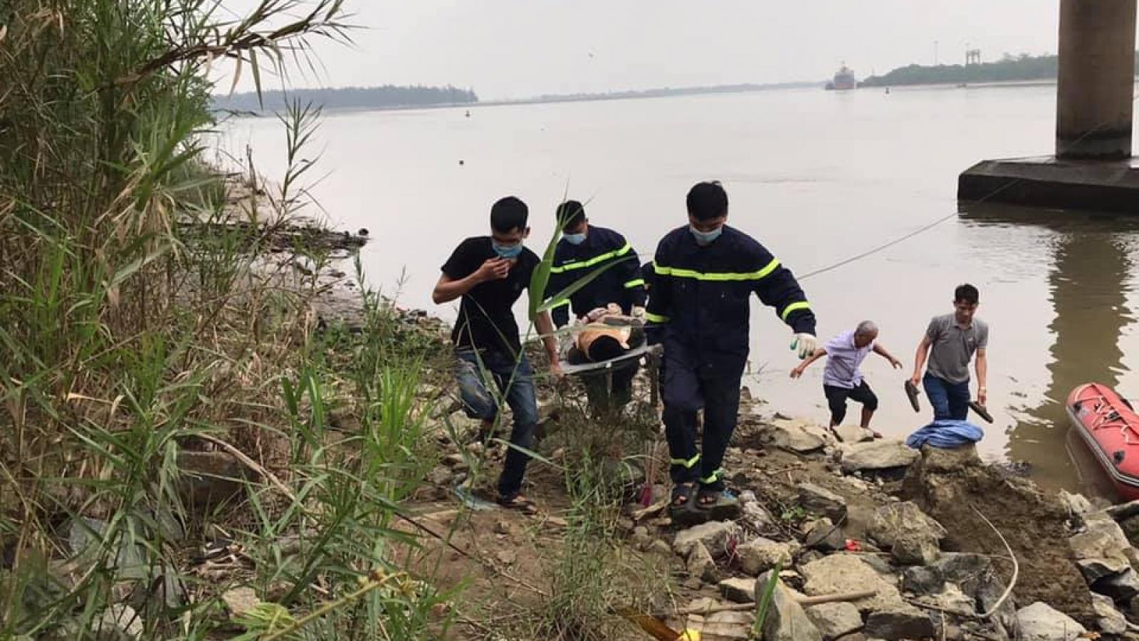 Tìm thấy thi thể người đàn ông trên sông Lam