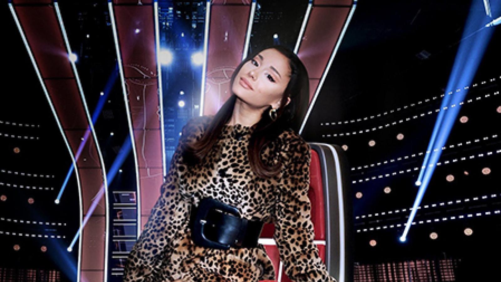 """Ariana Grande xác nhận ngồi """"ghế nóng"""" The Voice Mỹ 2021"""
