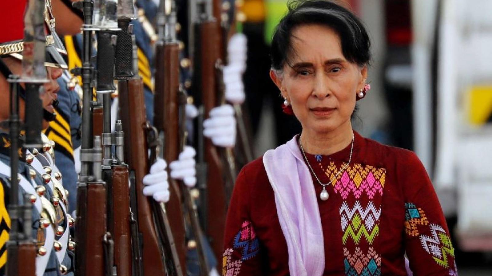 Cố vấn nhà nước Myanmar San Suu Kyi xuất hiện trong phiên xét xử trực tuyến
