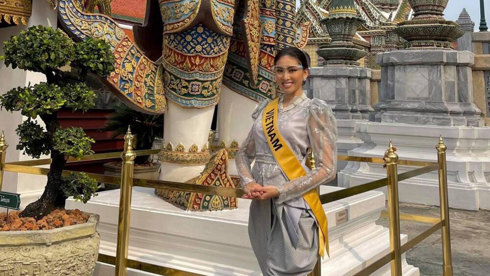 Ngoc Thao shines in Thai costume at Miss Grand International