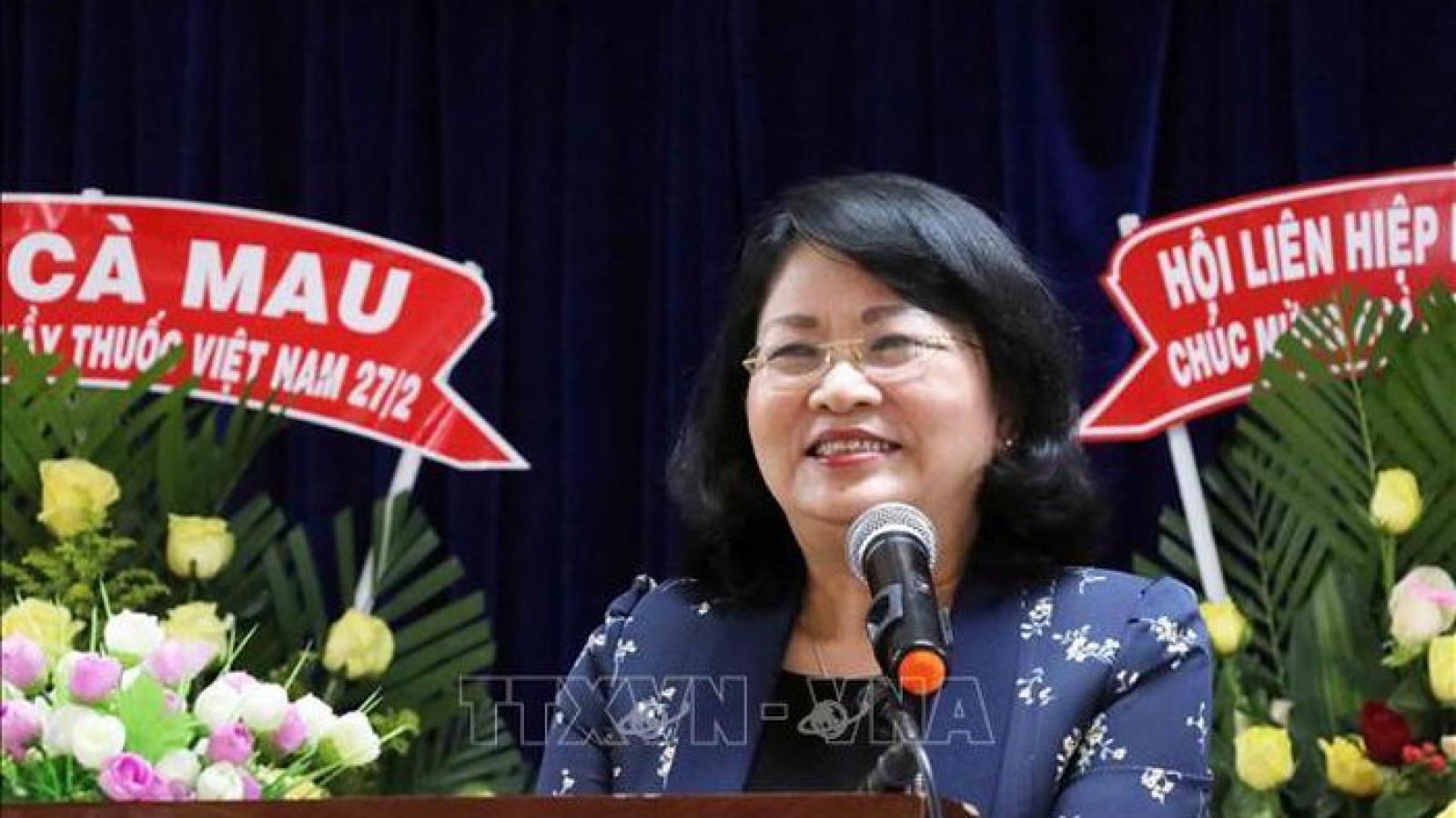 Phó Chủ tịch nước Đặng Thị Ngọc Thịnh kiểm tra công tác chuẩn bị bầu cử tại Cà Mau