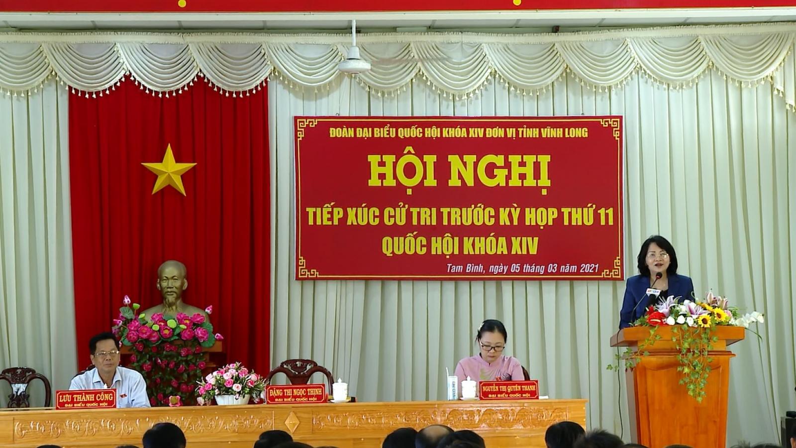 Phó Chủ tịch nước Đặng Thị Ngọc Thịnh tiếp xúc cử tri tỉnh Vĩnh Long