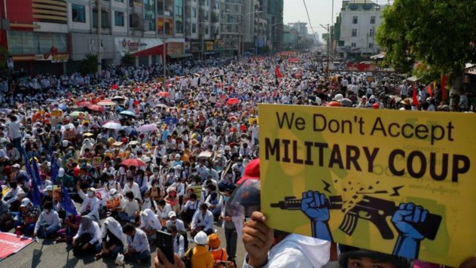 Liên Hợp Quốc kêu gọi lực lượng an ninh Myanmar thả hàng trăm người biểu tình