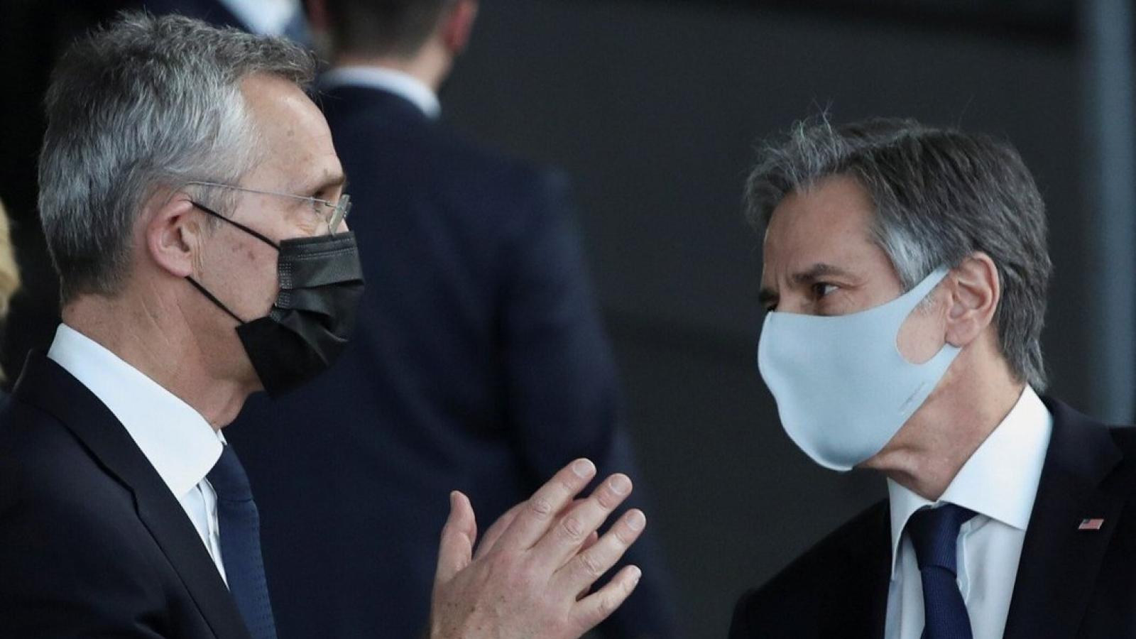 Ngoại trưởng Mỹ kêu gọi NATO đối phó Trung Quốc sau loạt lệnh trừng phạt