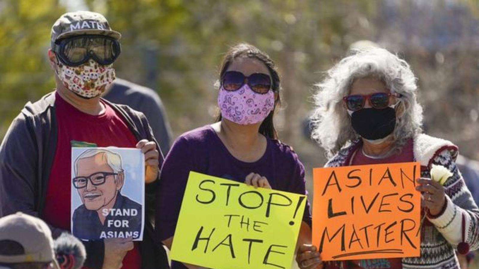 Vụ xả súng vào tiệm spa ở Mỹ: Phụ nữ gốc Á đang đối mặt mối đe dọa kép giữa đại dịch
