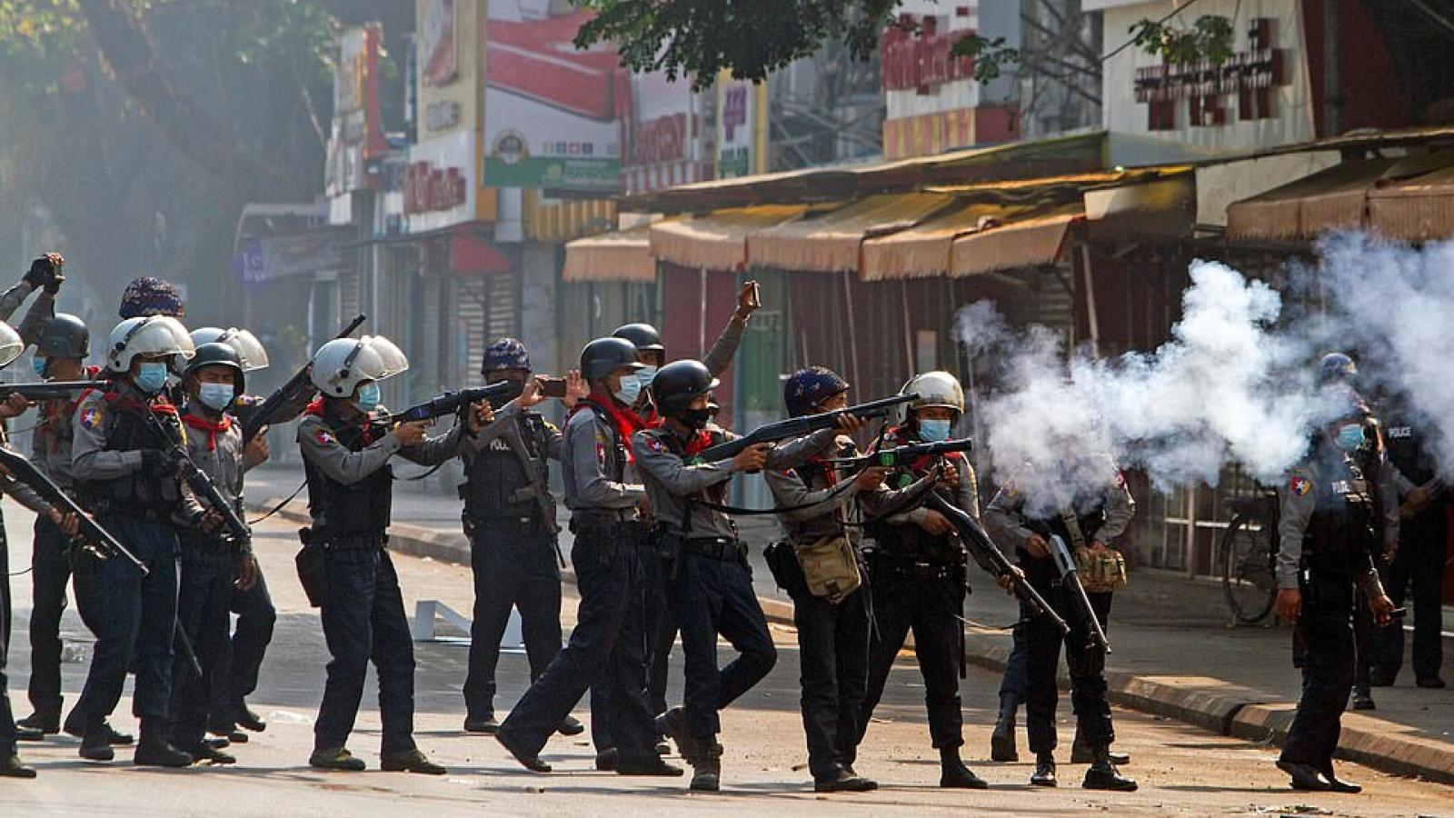 Trung Quốc lặng yên trước cuộc biểu tình hậu đảo chính ở Myanmar
