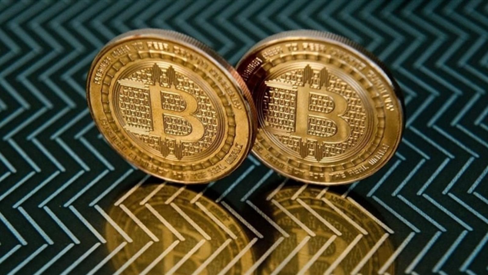 Bitcoin vượt 61.000 USD, lập đỉnh lịch sử mới