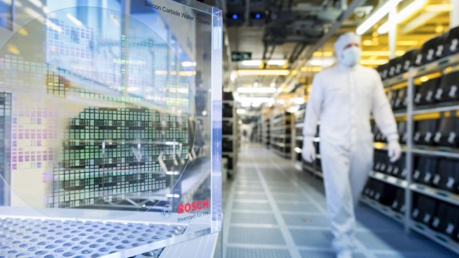 Ngành công nghiệp ô tô thiếu hụt nguồn cung chip trên toàn cầu